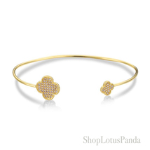 GORGEOUS 18kt Gold Plated Pave CZ Crystals Clover Thin Cuff Bracelet  - $417,57 MXN