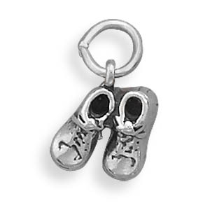 5693 pair of baby shoes charm