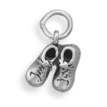 5693 pair of baby shoes charm thumb200