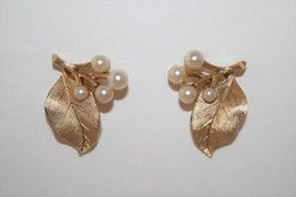 Vintage Gold Tone Crown Trifari Leaf and Faux Pearl Clip Earrings - $14.00