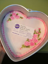 Wilton Aluminum Heart Pan ~ NWT - $129,33 MXN