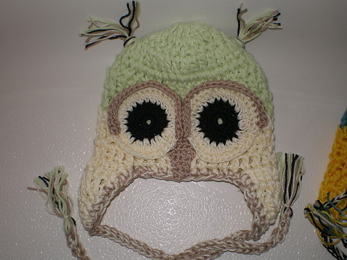 BABY BOY OR GIRL IVORY AND LIGHT GREEN OWL HAT PHOTO PROP