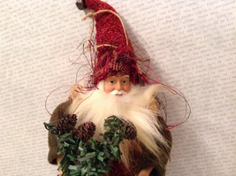 Charming detailed nature Santa  elf red w birdhouse ornament posable