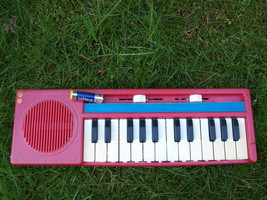 VINTAGE SOVIET RUSSIAN USSR ELECTRONIC PIANO  SYNTHESIZER FOR CHILDREN M... - $96.75