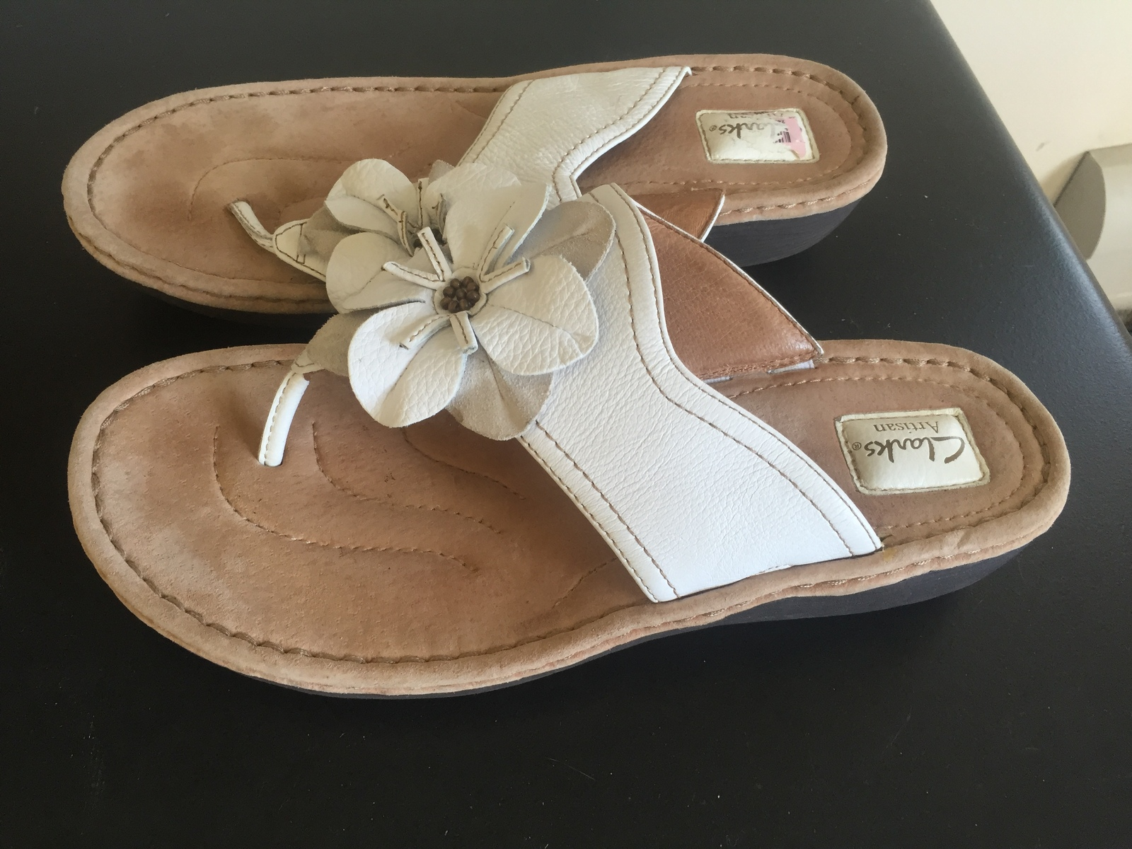 cfdb04b9f38 Clark s women s white leather thongs flip flops size 11 -  20.00