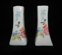 Vintage Ceramic/Porcelain Hand Painted Pedestals Salt & Pepper Shakers  - $28.01