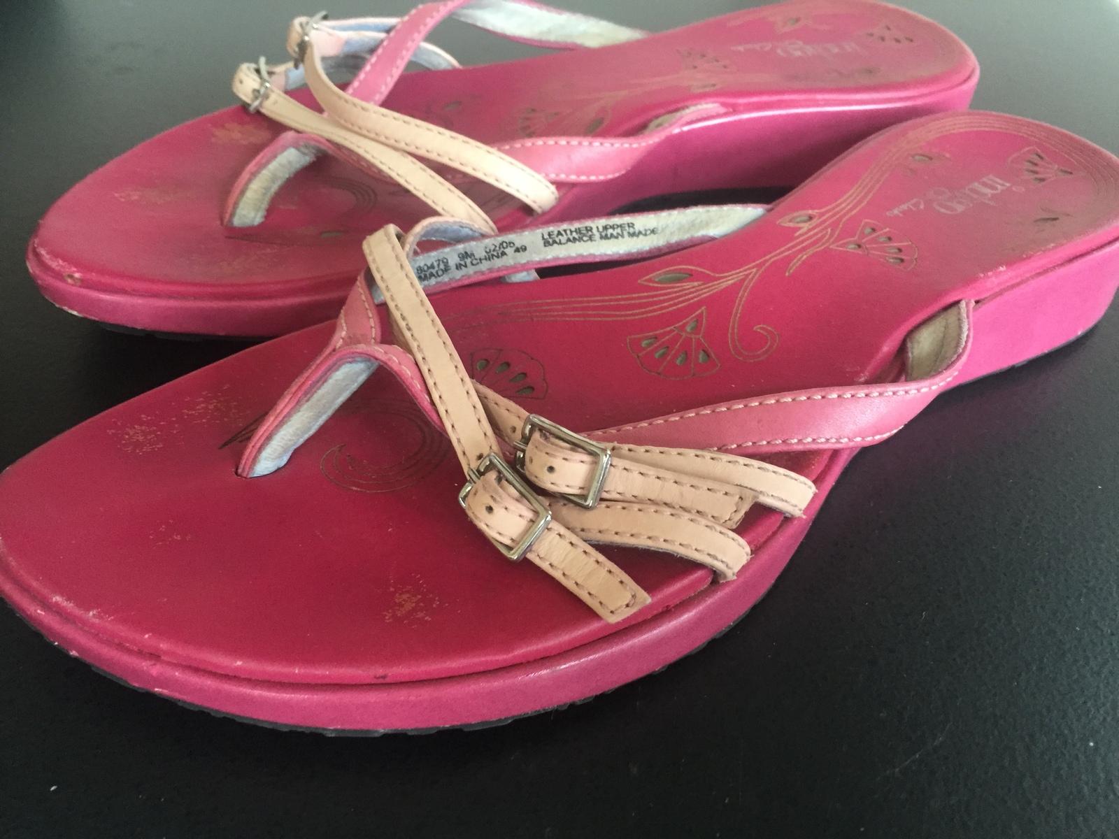 Clarks Indigo Pink Leather Flip Flop Thong Like Sandals Size 9 - Sandals  Flip Flops-1118