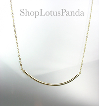 CHIC 18kt Gold Plated CURVED BAR Pendant Petite Dainty Necklace - €14,47 EUR