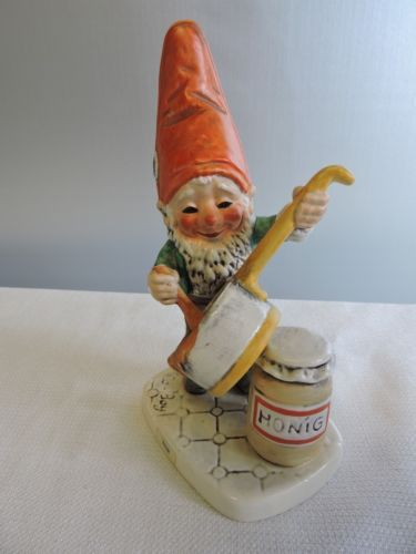 Goebel Gnome Elf Tom Figurine Well 504 The Honey Lover 1970