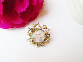 Coro Marie Antoinette Brooch Vintage Cameo Pin Gold w Pearls Dot Style Portrait  image 2