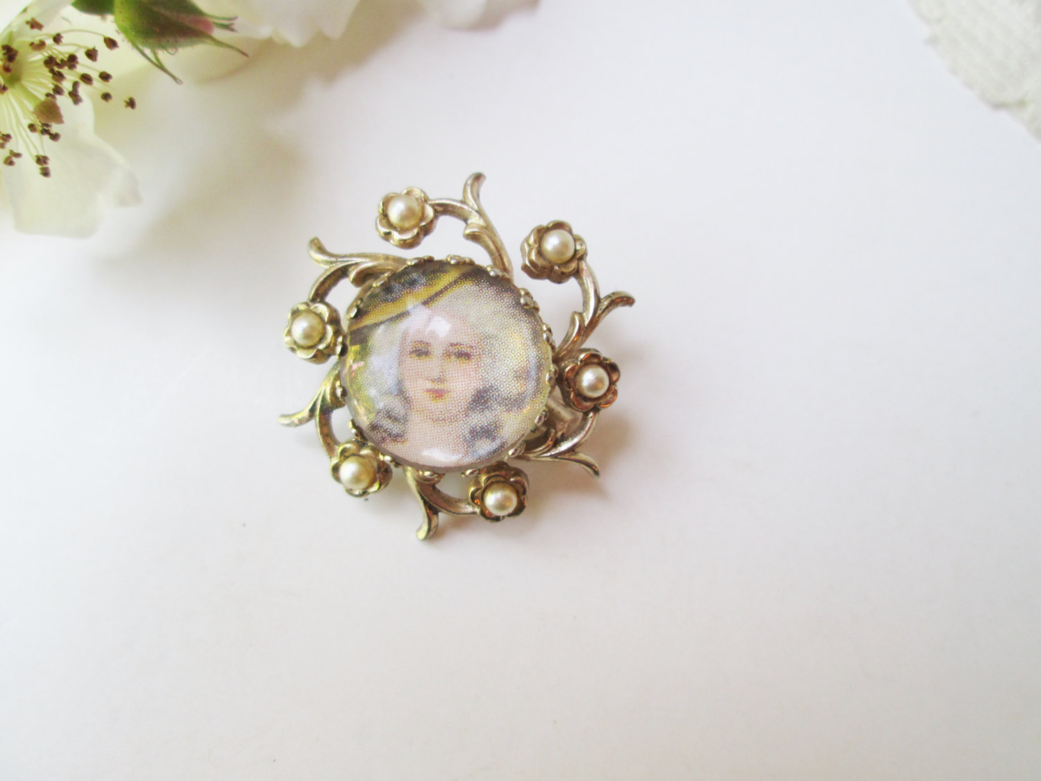 Coro Marie Antoinette Brooch Vintage Cameo Pin Gold w Pearls Dot Style Portrait  image 4