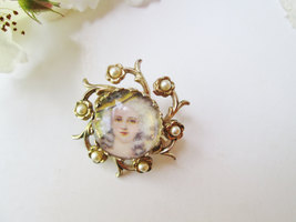 Coro Marie Antoinette Brooch Vintage Cameo Pin Gold w Pearls Dot Style Portrait  image 5