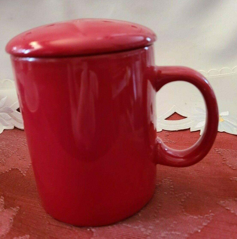 Ceramic Tea or Coffee Mug with Lid - 11oz - Red Omniware
