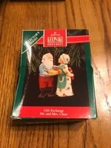 Hallmark Collector 's Series Keepsake Ornament Gift Exchange Mr. And Mrs... - $16.47