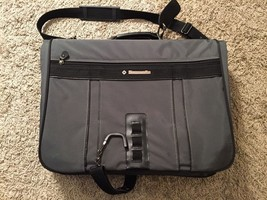 Samsonite Gray/Black Garment Bag - $1.226,91 MXN