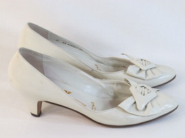 Bally of Switzerland Beige Leather Classic Pumps Size 8 AA US Near Mint - $64.23