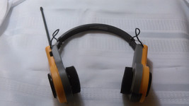 Yellow Lenoxx Sound AM FM Headphone Radio Sport - $24.01