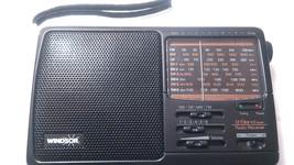Windsor 9 Band World Radio MW FM LW SW 1-6 Receiver Portable - $24.01