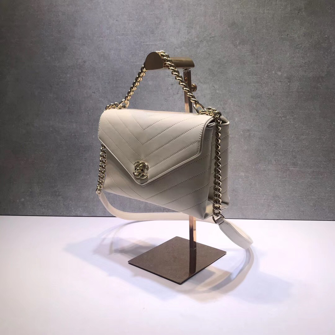 AUTHENTIC NEW CHANEL 2019 WHITE 2-WAY CHEVRON QUILTED CALFSKIN DIAMOND FLAP BAG