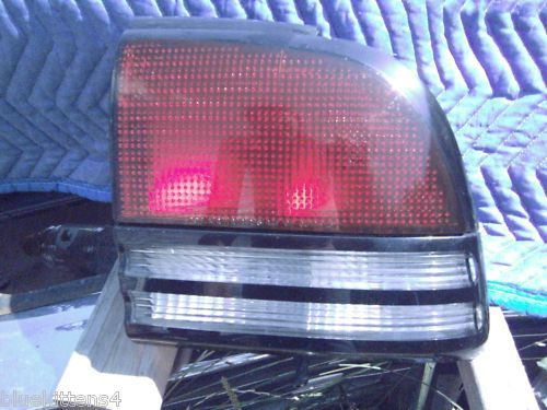 1997 1996 1995 1994 CUTLASS SUPREME RIGHT TAILLIGHT 4DR OEM USED GM PART NUMBER