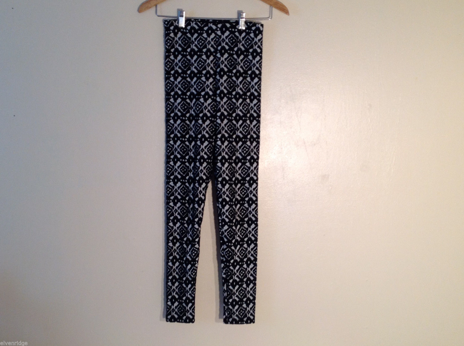 DIVIDED H&M Women's Size XS Quilted Elastic Leggings Black White Geometric Print