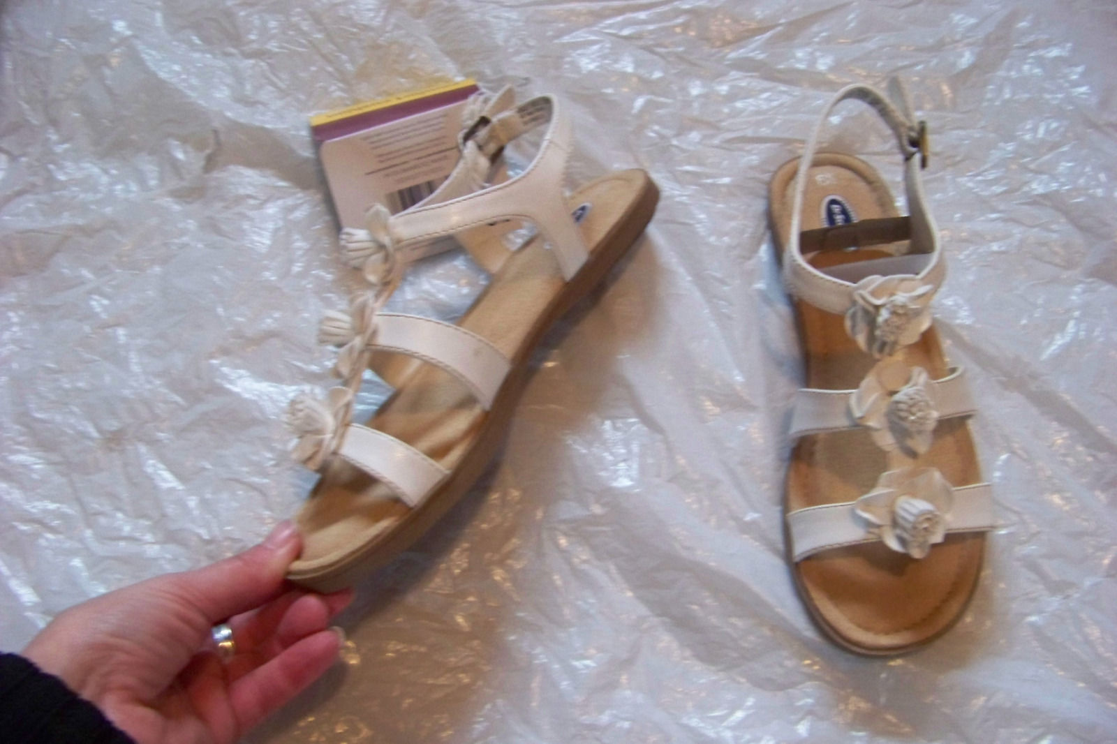 13c8003af8fb6 new womens dr scholl's bamboo white flower and similar items