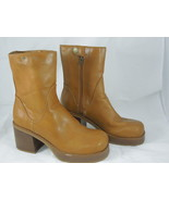 Sketchers Womens tan boots size 9.5 serial Number 3404 - $12.18