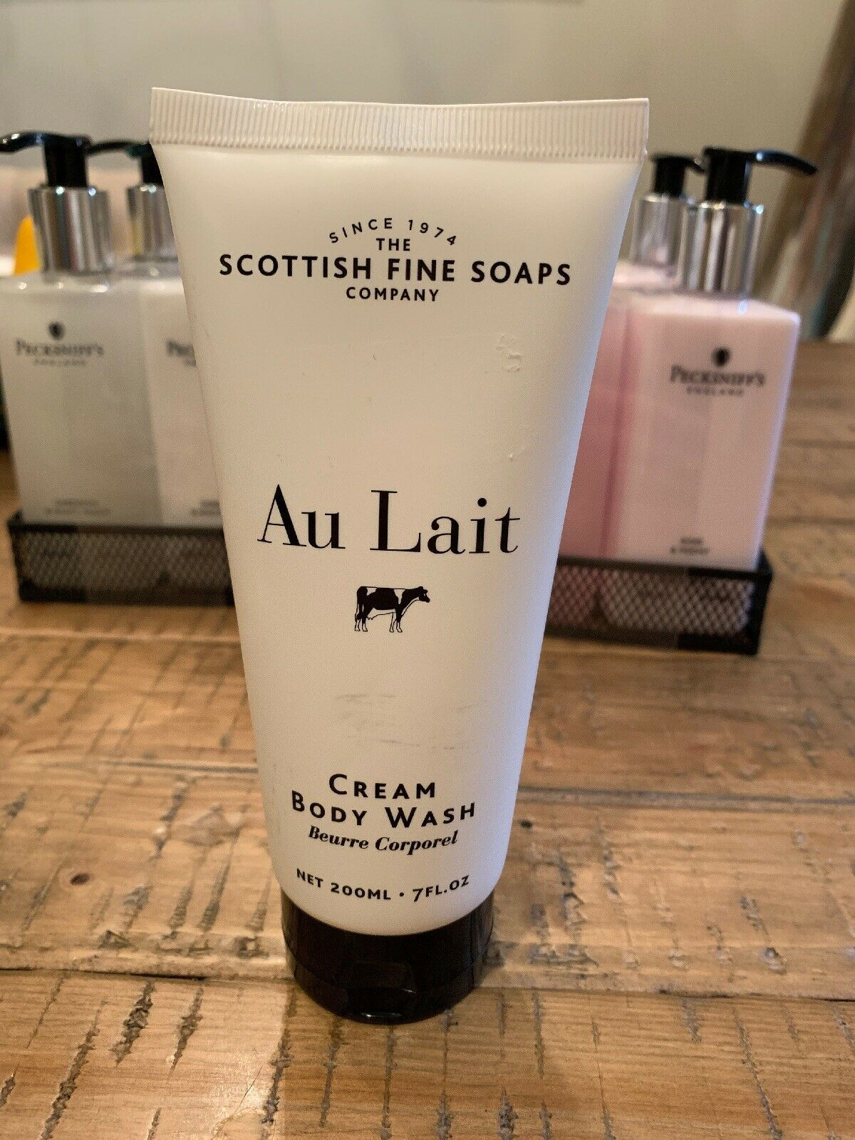 SCOTTISH FINE SOAPS - AU LAIT CREAM BODY WASH - 7Fl oz  200 ML