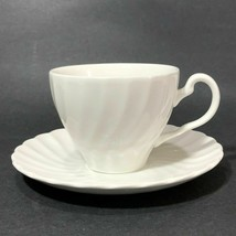 7 Johnson Brothers Regency Ironstone Flat Cup And Saucer White Swirl - $32.62