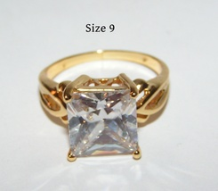 Chunky Bold White Topaz Solitaire Ring Free Shipping - $15.00