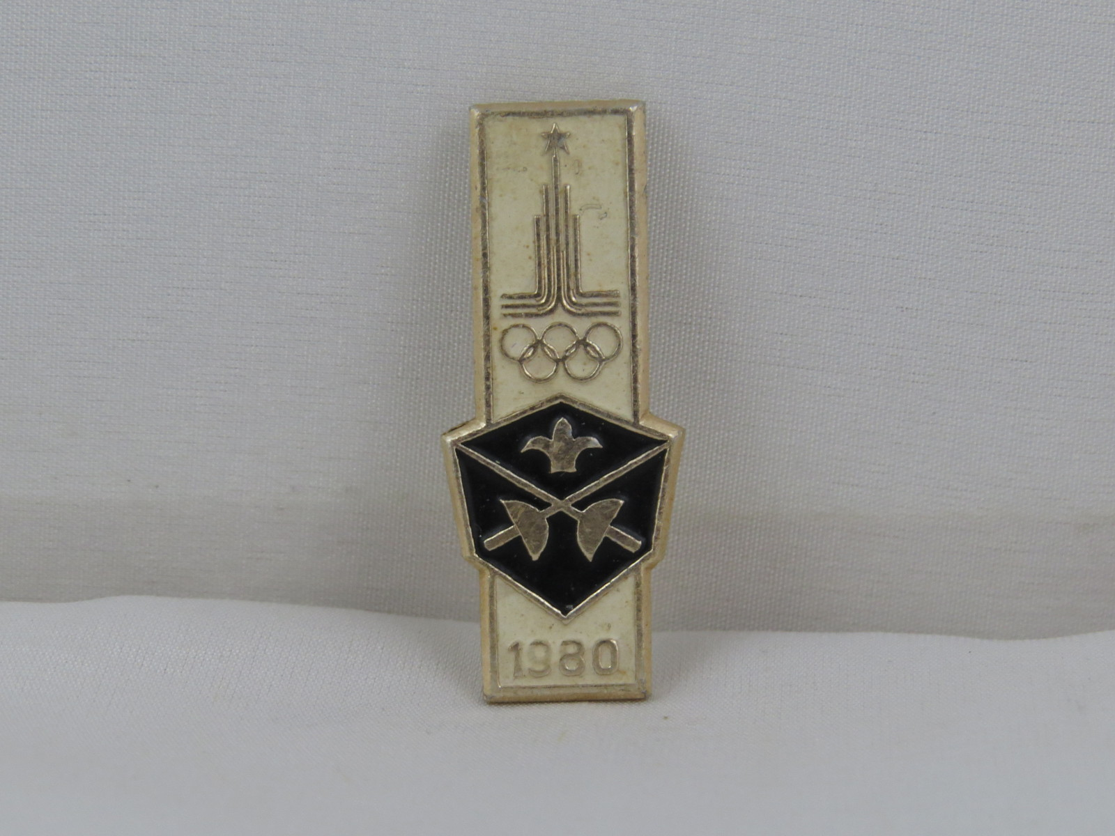 Primary image for 1980 Summer Olympic Games Pin - Fencing Event - Metal Pin