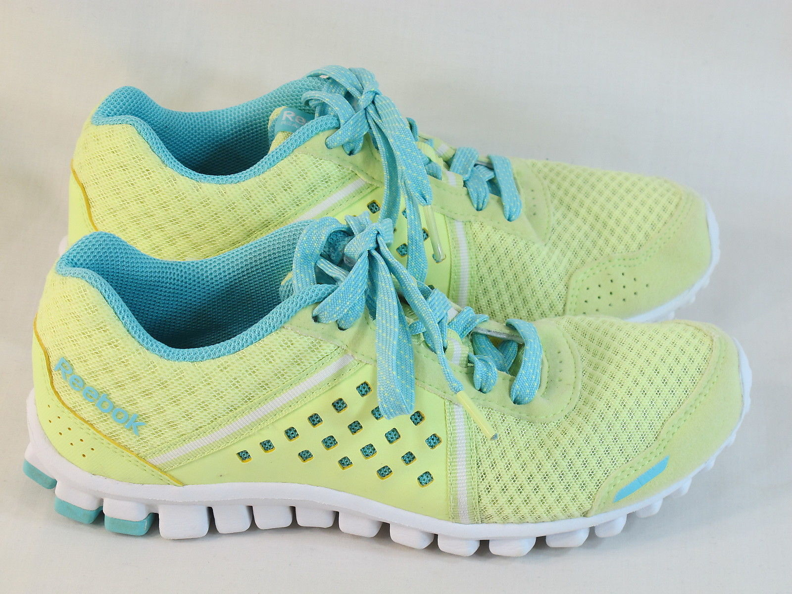 hot sales 6aab6 7e516 Reebok Realflex Scream 4.0 Running Shoes and 50 similar items. S l1600