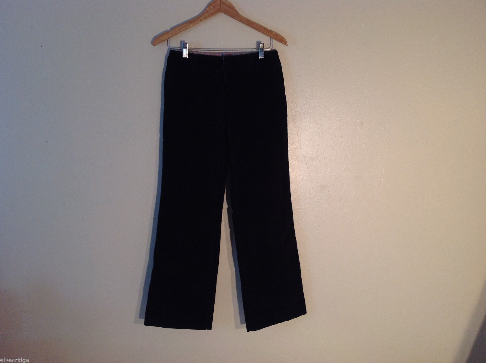 IZOD Women's Size 4 Black Pants Stretchy Velour-Like Pleated Front Straight Leg