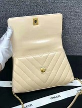 100% AUTHENTIC CHANEL CHEVRON QUILTED CALFSKIN BEIGE SMALL COCO HANDLE BAG GHW image 4