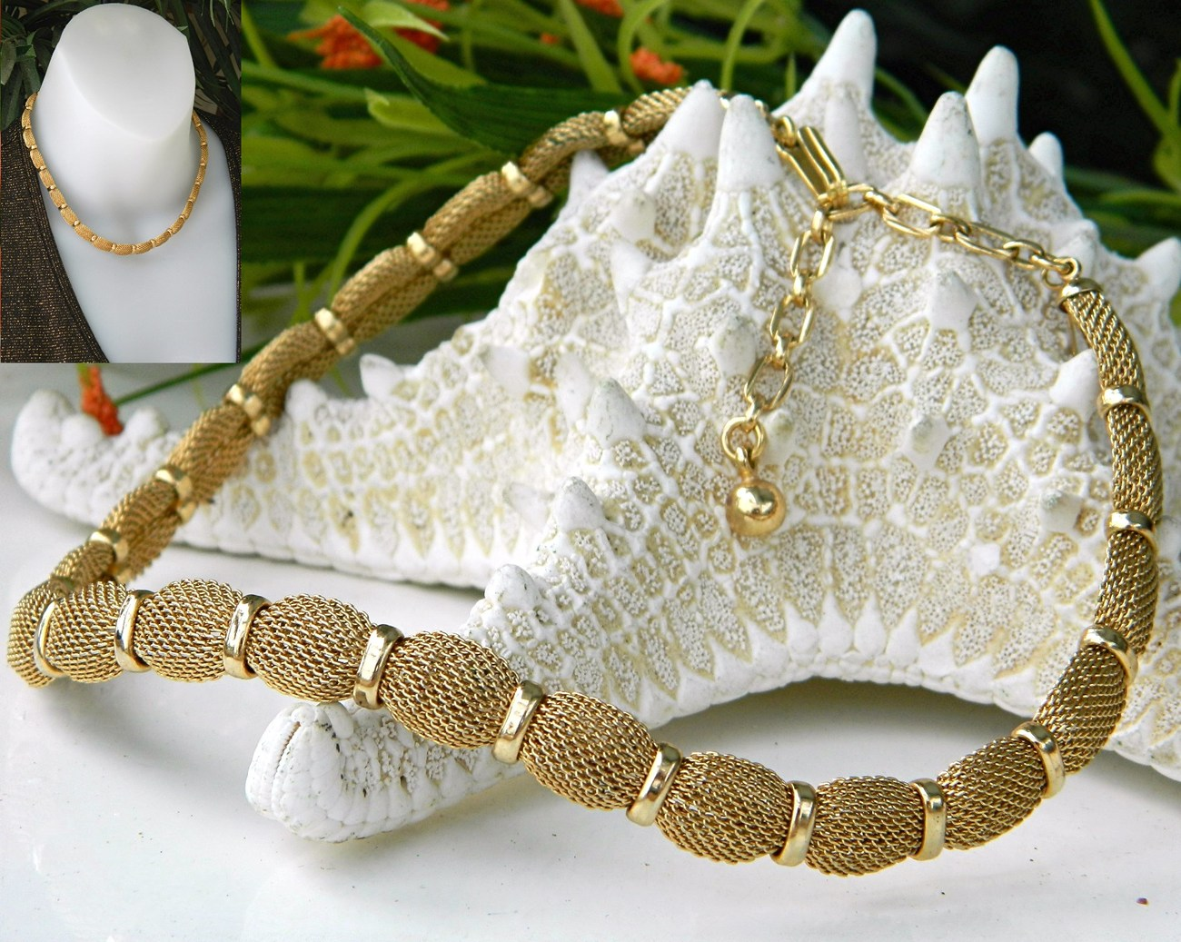 Vintage trifari mesh choker necklace crown hang tag goldtone
