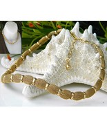 Vintage Trifari Mesh Choker Necklace Goldtone Crown Hang Tag - $32.95