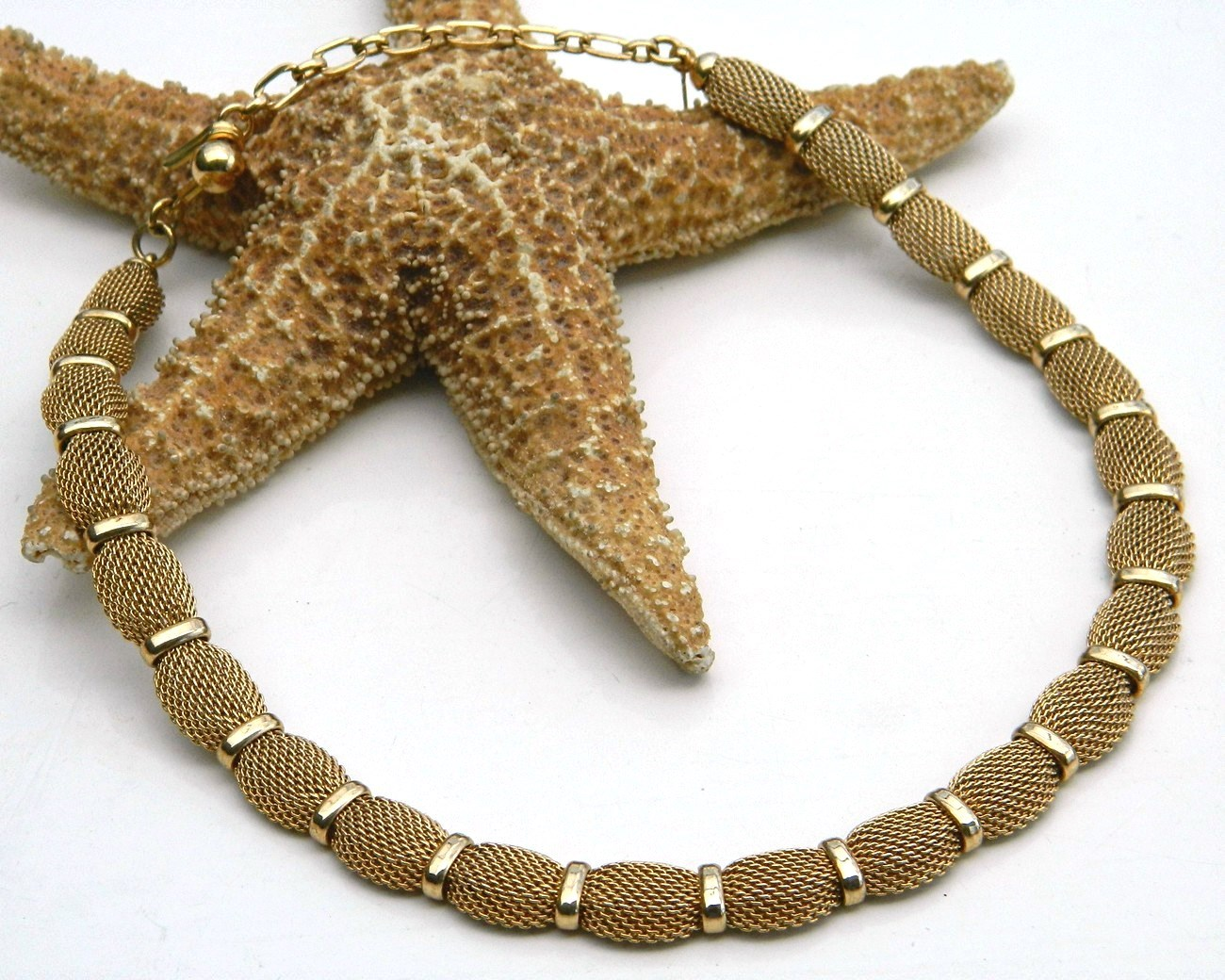 Vintage Trifari Mesh Choker Necklace Goldtone Crown Hang Tag