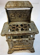 1930s Royal Cast Iron Doll House Stove - $19.94