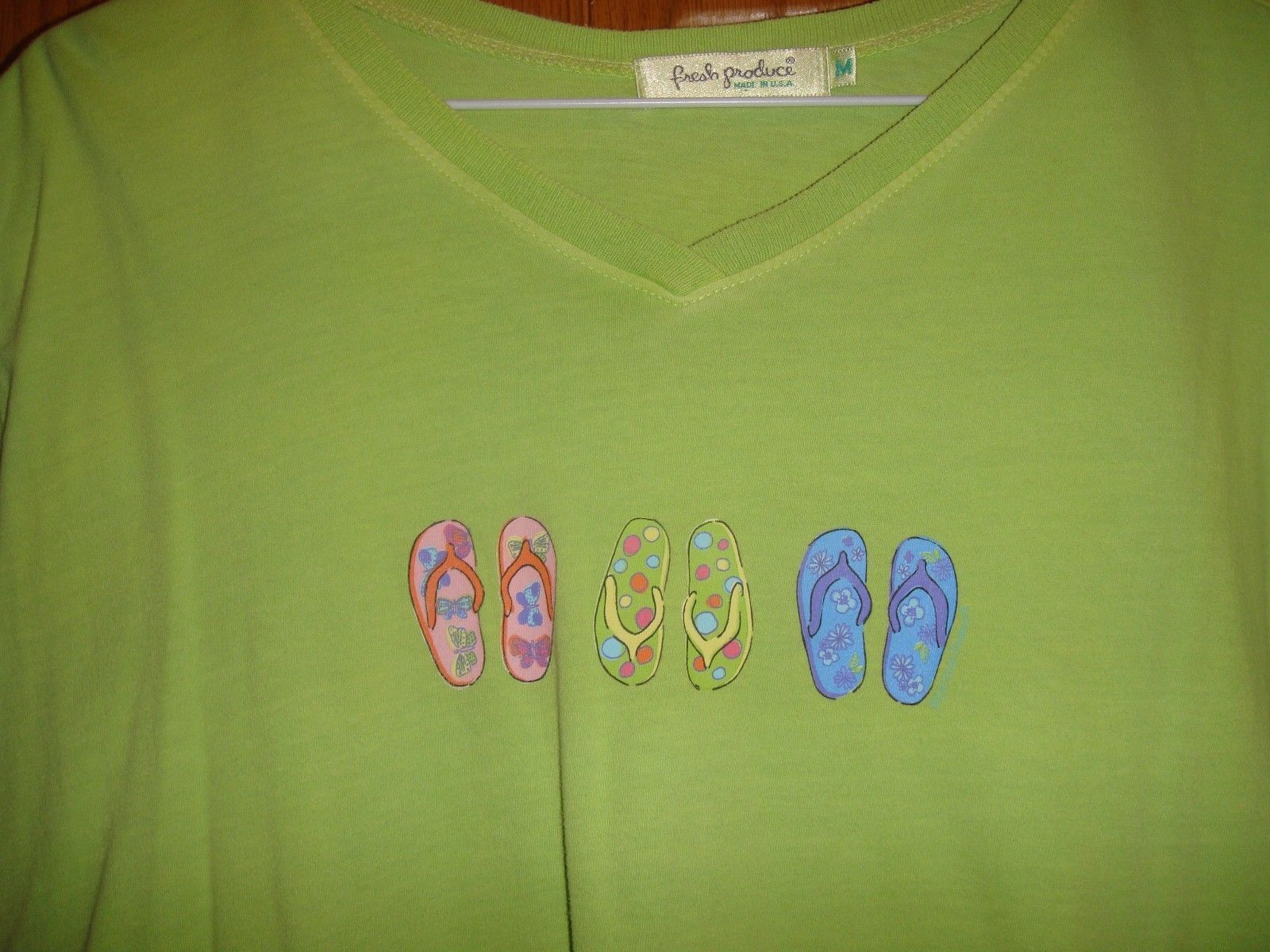 Fresh Produce Top M Apple Green With Flip Flops On Chest