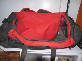 Large Red Sportif Duffel Bag Umpire Approved Zippered Sports Bag - $20.57