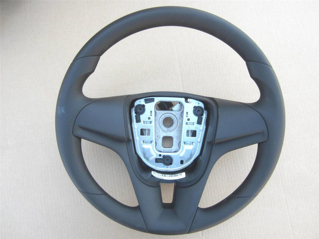 oem 2012 2016 chevy cruze steering wheel black vinyl. Black Bedroom Furniture Sets. Home Design Ideas
