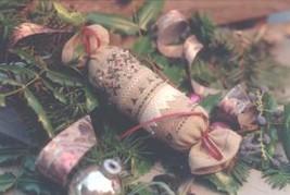 English Christmas Roll needleroll kit cross stitch Shepherd's Bush - $12.00
