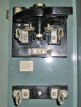 Taylor 100a disconnect switch block