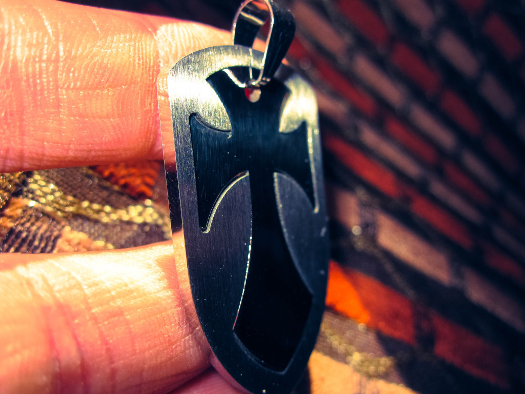 Haunted : Psy Vampire Male of Power – Giver of Psychic Gifts  Beautiful Neckla