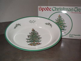 Spode Christmas Tree Oval Vegetable Baker Dish England in original box - $44.99