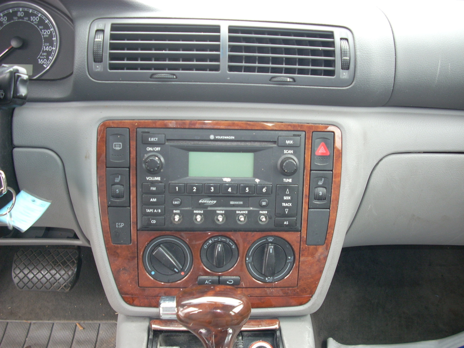 2004 VW PASSAT TEMPERATURE CONTROL