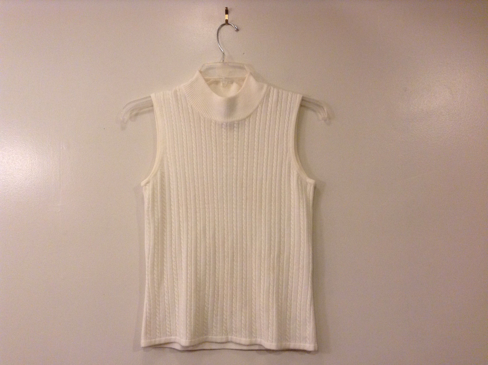 Karen Scott Women's Size S Sweater Vest Cream White Turtleneck Cable-Knit Front