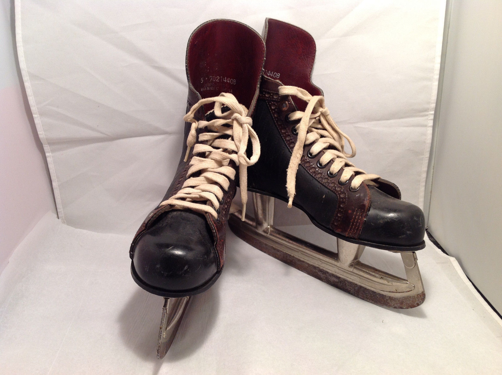 Wildcat Vintage Unisex Ice Skates Black w/ Brown Brogue Trim Cream Laces Size 5