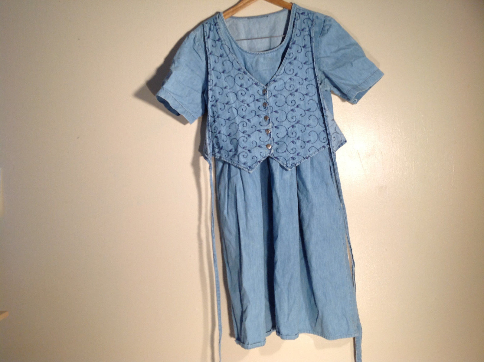 Womens Blue Denim Dress with faux vest, leaf pattern, great condition