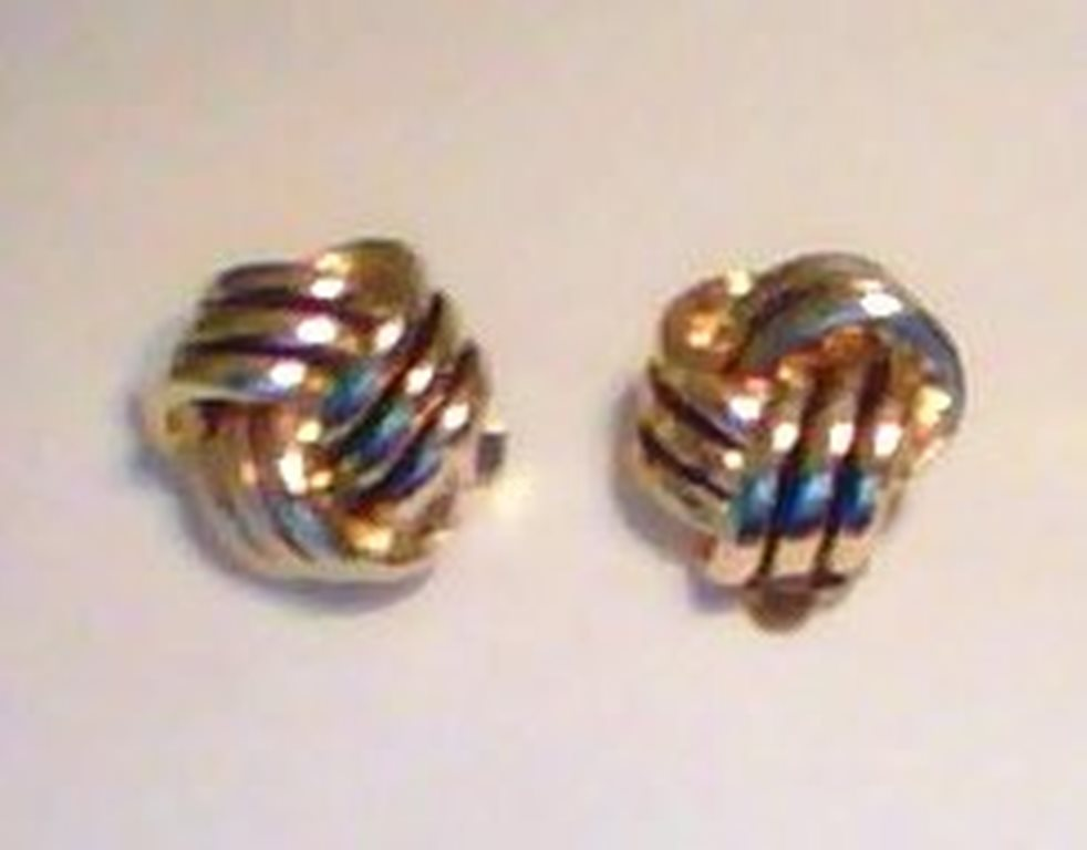 KNOT DESIGN CLIP-ON EARRINGS